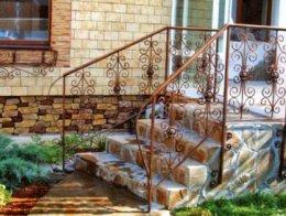 Балконные ограждения, перила